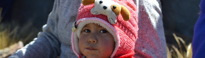 Tessendo la solidarieta Peru Bolivia